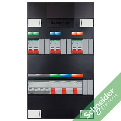 3 fase met automaten achter aardlek groepenkasten Schneider Electric